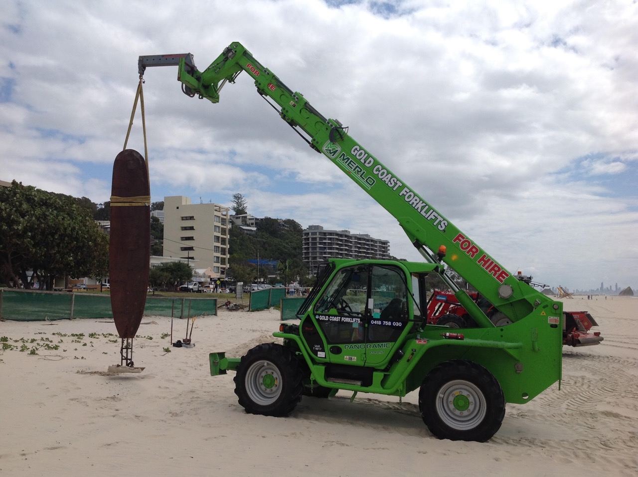 The Swell Festival Beach Work Operator Service 3